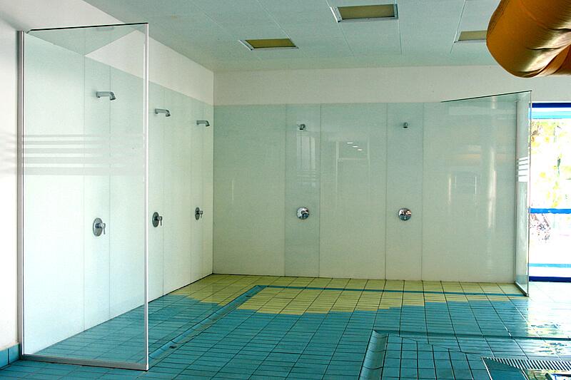 Beplankungen mit gefärbtem Glas - Transparent Design